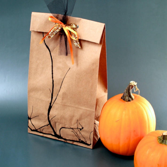 DIY Spooky Branch Halloween Loot Bags | CorinnaWraps.wordpress.com