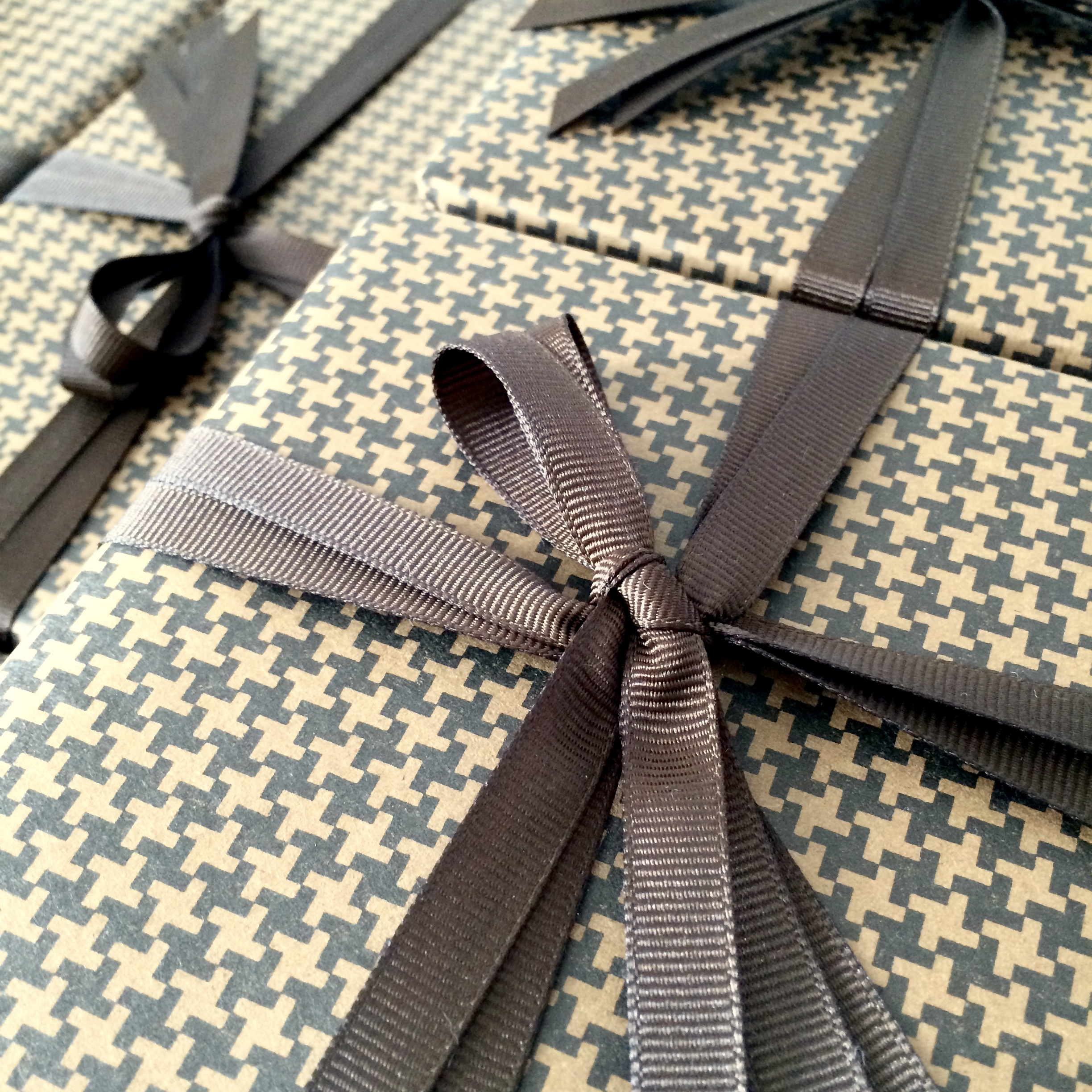 122a86bac9cf Sartorial houndstooth gift wrapping