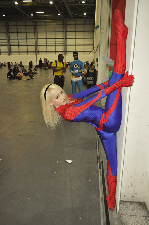 wall-spit-spider-man-girl-1