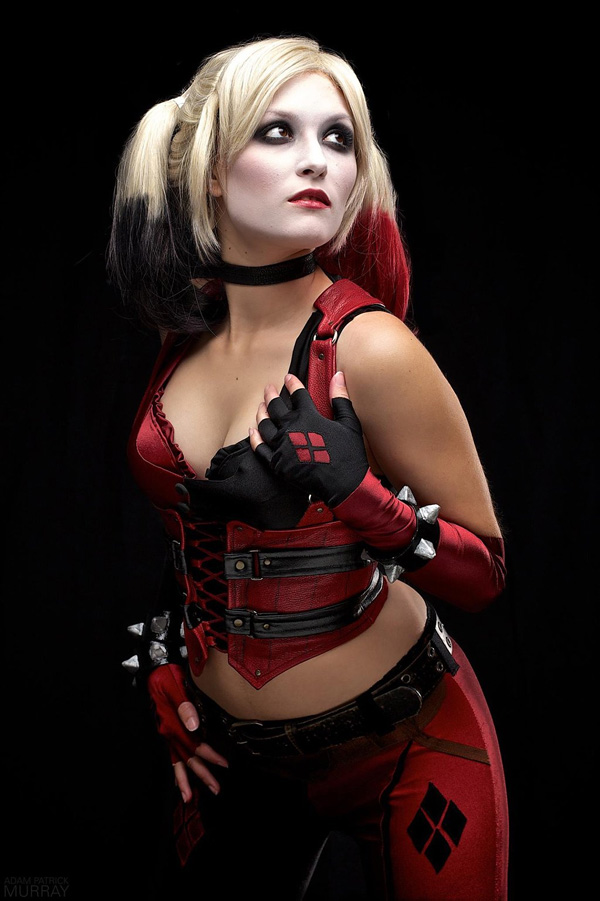 Itty-Bitty-Geek-as-Harley-Quinn-11-tn