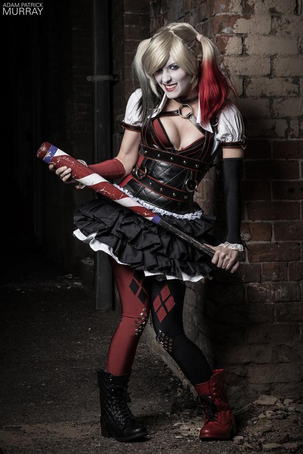 Itty-Bitty-Geek-as-Harley-Quinn-4-tn