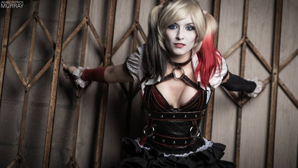 Itty-Bitty-Geek-as-Harley-Quinn-2-tn