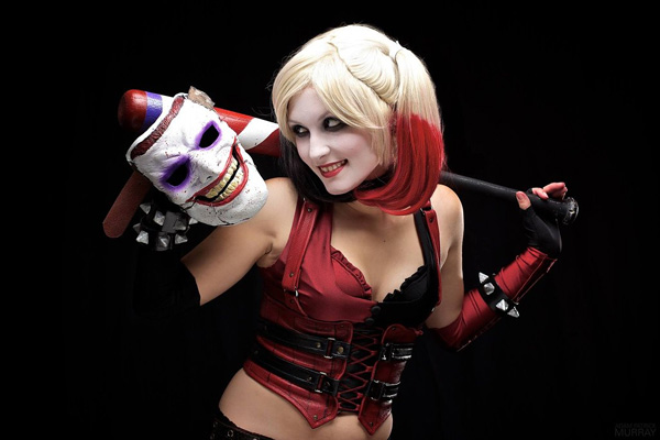 Itty-Bitty-Geek-as-Harley-Quinn-8-tn
