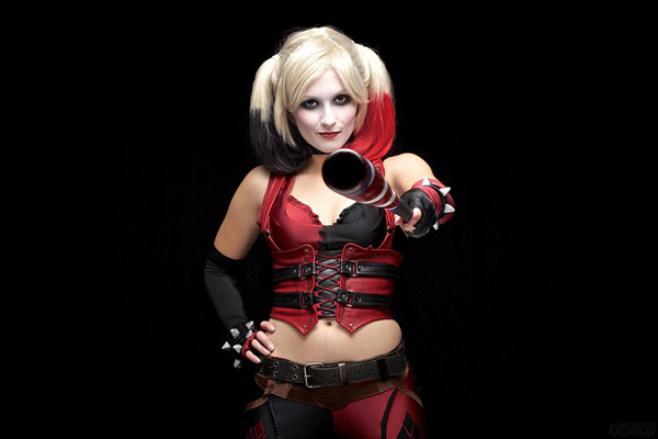 Itty-Bitty-Geek-as-Harley-Quinn-9-tn