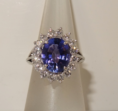 Vintage 14k white gold bright violet blue 4.0 carat tanzanite and 1.12 diamond carat total weight ring. Size 6.75. (Sizable). $2,195.