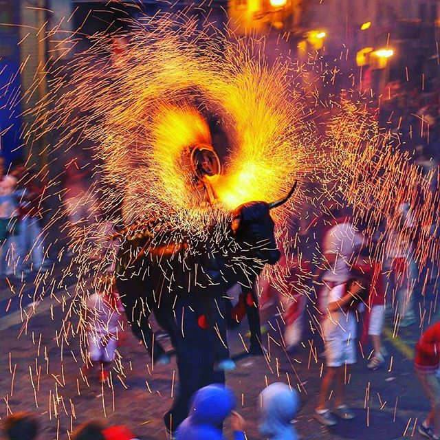 Want to Run with the Bulls? Come run with us in 2017💃🐂 www.runningwiththebullsinsidertours.com  #runningwiththebulls #sanfermin  #runningofthebulls #run #bulls #weekendaway #ontour #vacation #festival #crazytimes #bestparty #streetparty #fireworks #playtime