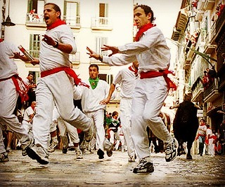 It's time to RUN! Tick this epic event off your bucketlist in 2017. Check out our great packages 🐃 www.runningwiththebullsinsidertours.com  #runningwiththebulls #run #runningofthebulls #spain🇪🇸 #bulls #bucketlist #travel #epic #challenge #justdoit #bebold #brave #madness  #letsdothis #bachelorparty #ladsweekend #adventure #crazytimes