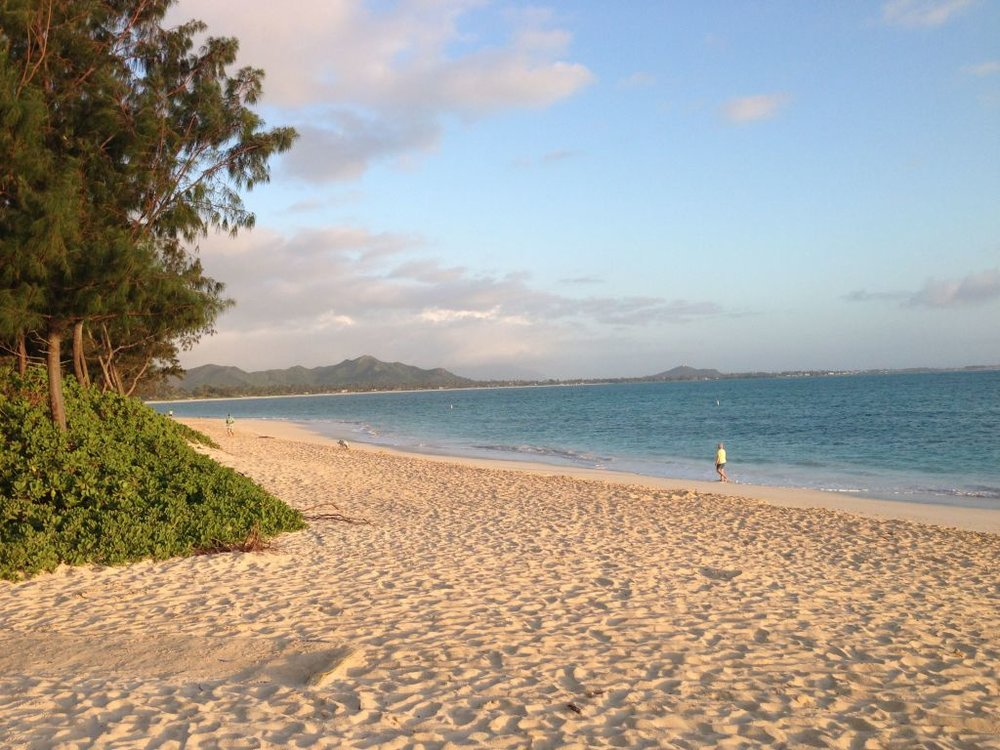 Kailua-Beach-am-walk.jpg