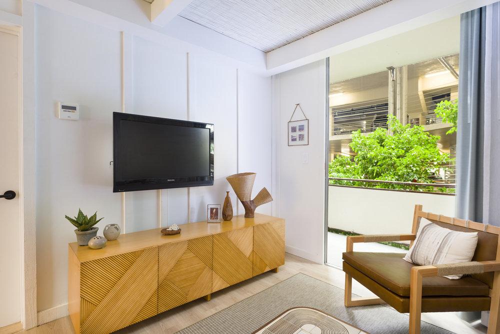 The_Surfjack_Guest_Living_Room.jpg
