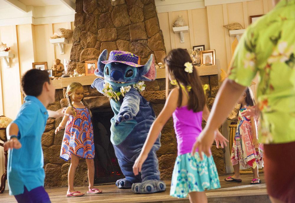 Disney Aulani AUNTY'S BEACH HOUSE4.jpg