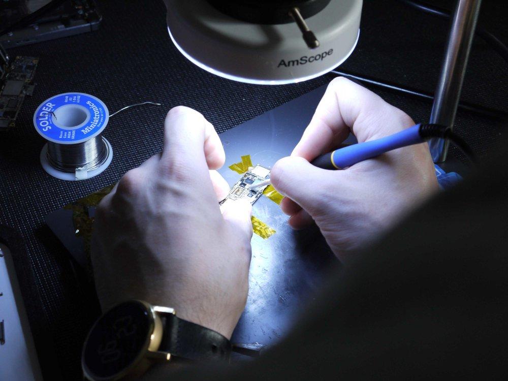 iPhone Motherboard Micro Soldering Repair