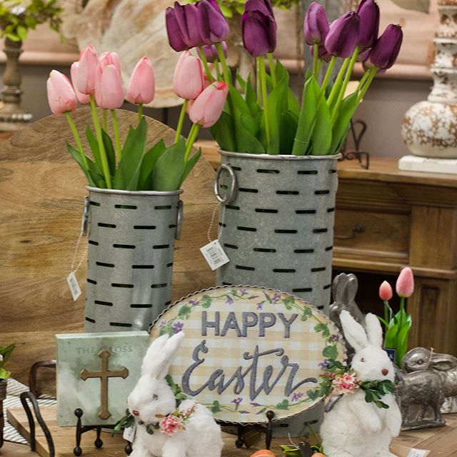 Easter Bunnies have arrived at Boxwood! Hop in 🐰and see all of the cuteness throughout the store. 🌷🌷🌷 • • • • • • #BoxwoodHomeandGift #myboxwoodhome #Easter #spring #Springbunnies #decorativebunnies #houstonboutiques #houston #kingwood #atascocita #humbletx #homedecor