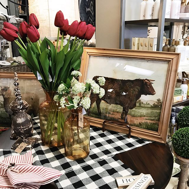 Loving these new farm animal prints! New everyday decor is arriving DAILY. Hurry in to check it all out! 🐄🌿🐓