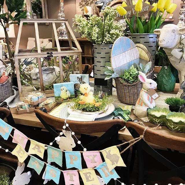 Easter is just around the corner! 🐣💐Stop by the shop to find all the festive goodies to spruce up your home for Spring & Easter 💛 • • • • • • #BoxwoodHomeandGift #myboxwoodhome #Springtime #Easterdecor #houstonboutiques #houston #kingwood #atascocita #humbletx #homedecor #Easter