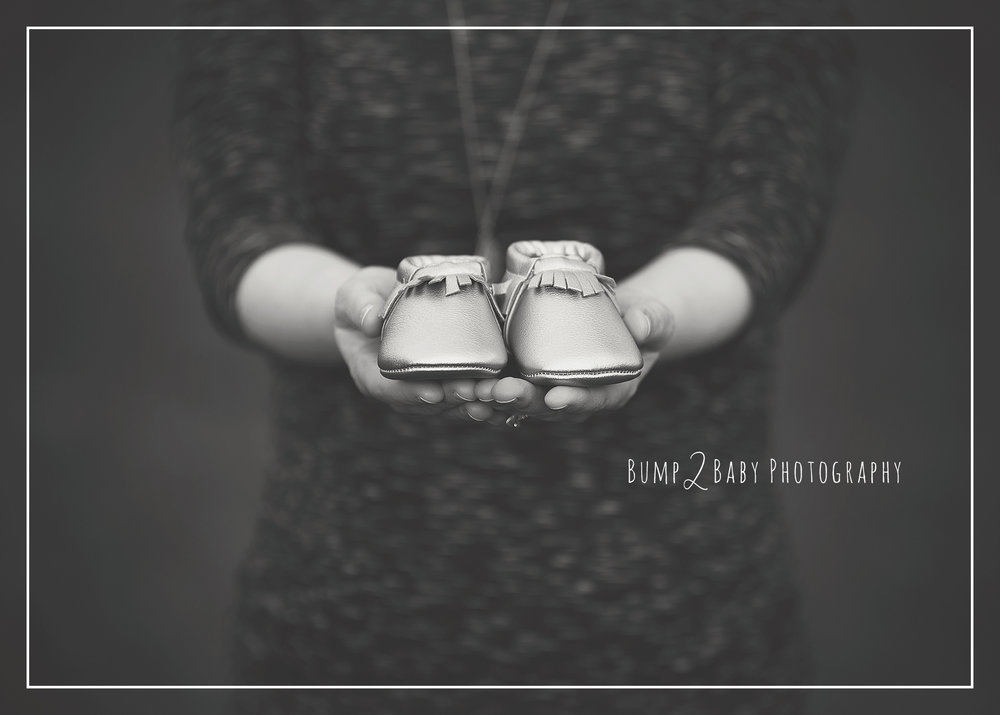 Maternity-Session-Baby-Shoes.jpg