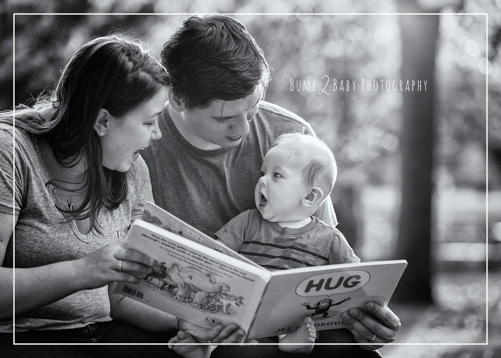 Family-Session-in-Boston-Commons-Reading-Book.jpg