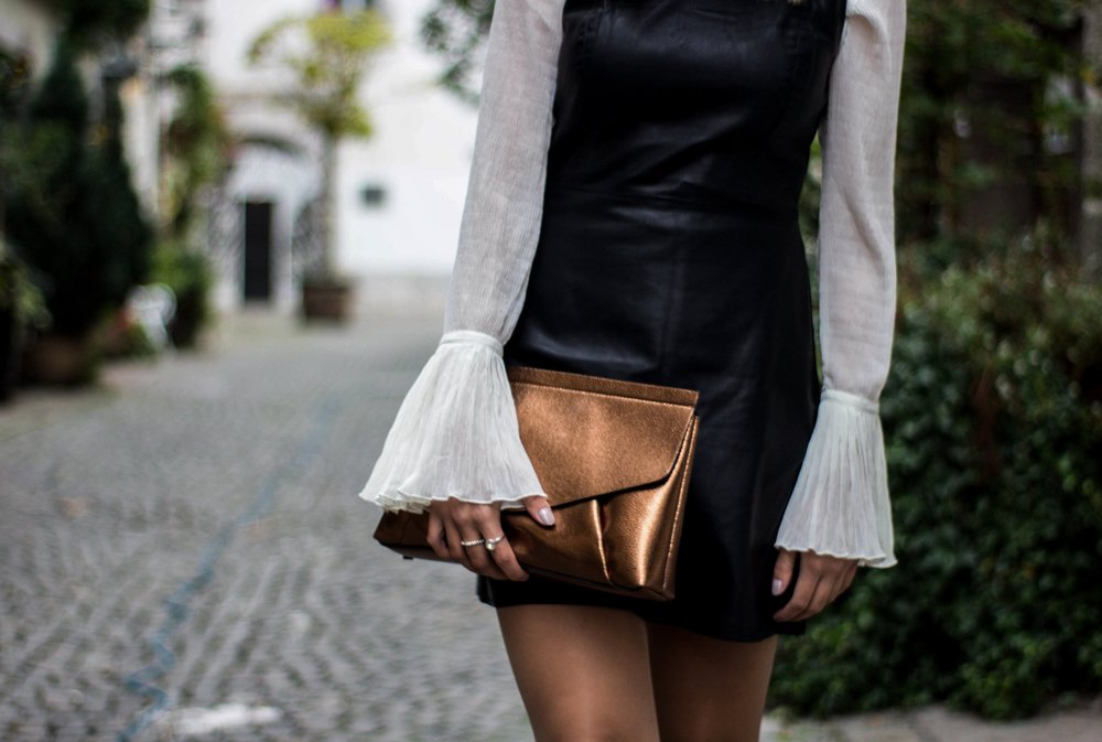 Zara clutch, buy it  here