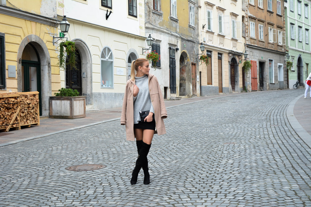 Primark sweater // Zara shoes // H&M skirt // Mango Bag / /Marella coat
