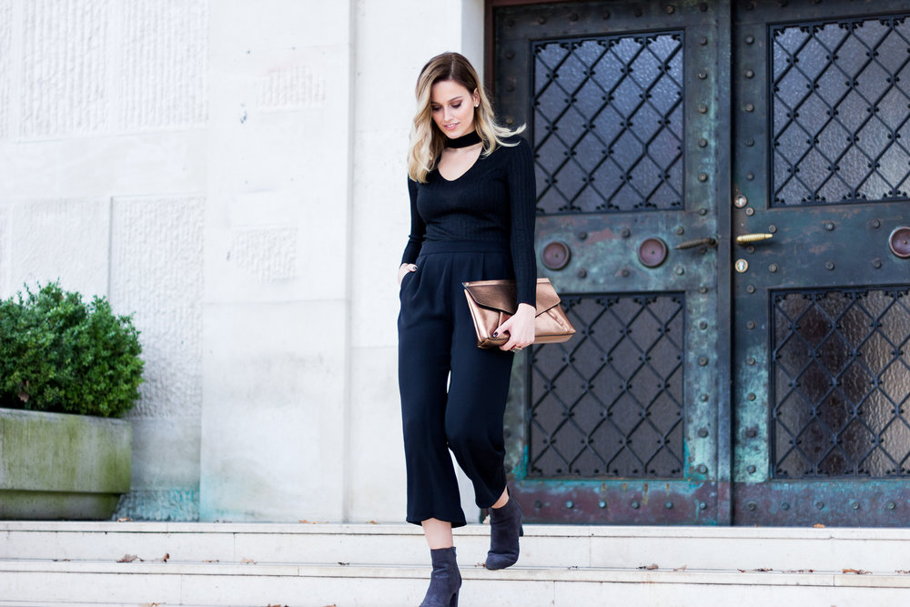 mainstream chic street style black