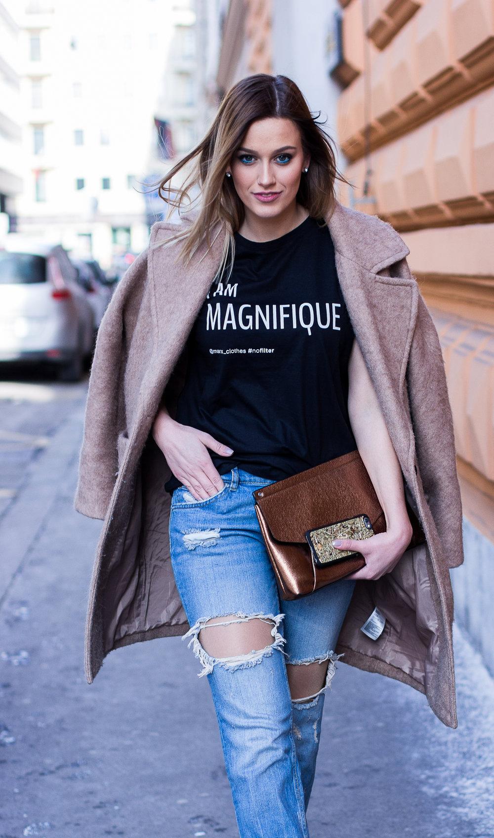 mainstream chic street style