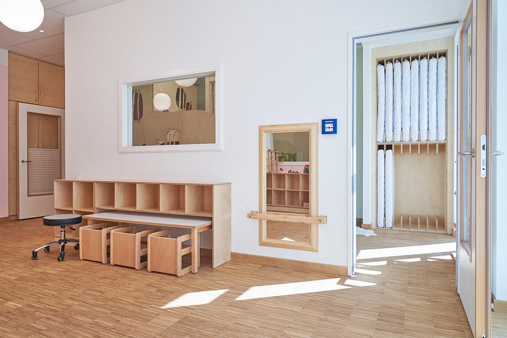 Hamburg, Neue Mitte Altona, Moete, Kita Sandvika, Krippe, U3, Kita, Kindergarten, Kindertagesstätte, Schlafpodest, Krippe 04-04.jpg