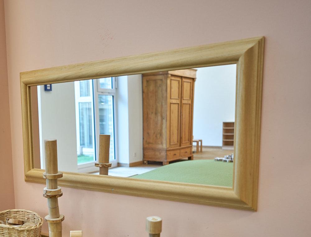 Spiegel ohne Handlauf 02.jpg