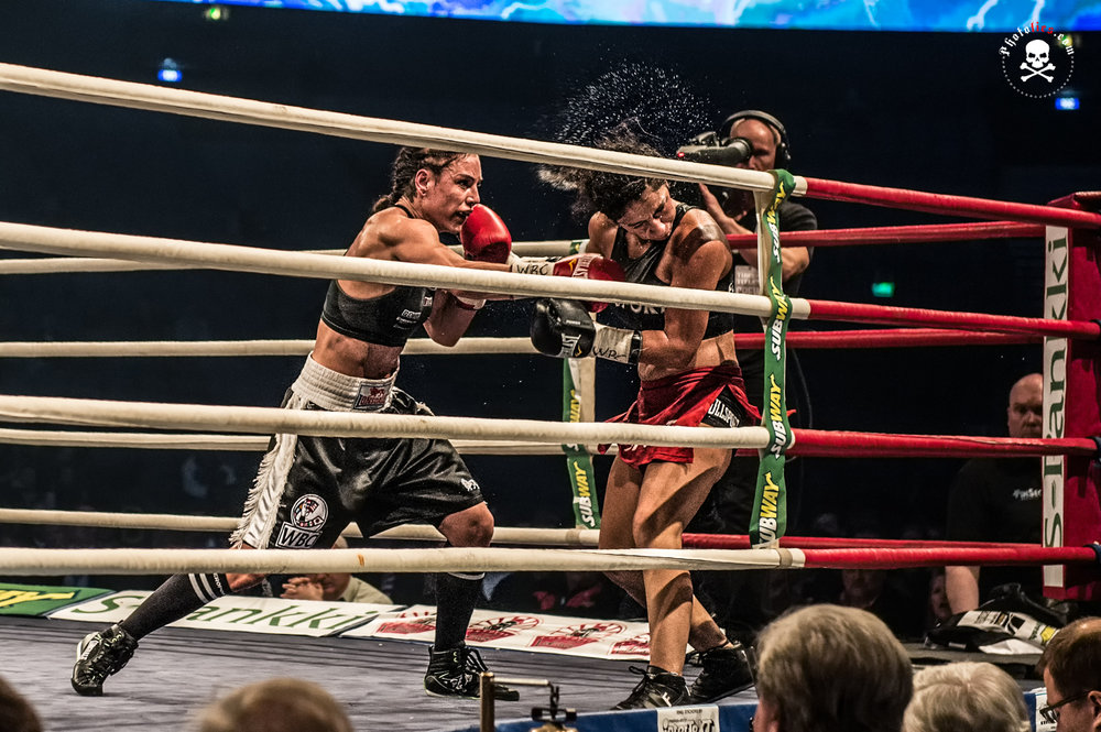 Eva Wahlström vs. Natalia Vanesa del Valle Aguirre - WBC World female super featherweight title match 2015