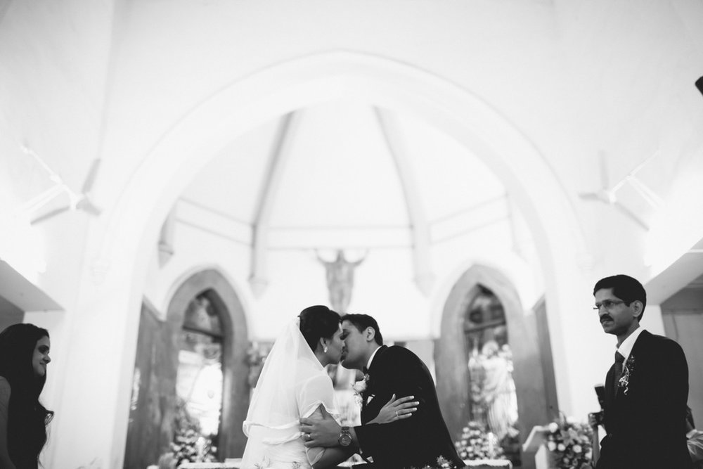 mumbai-christian-wedding-into-candid-photography-ks-34.jpg