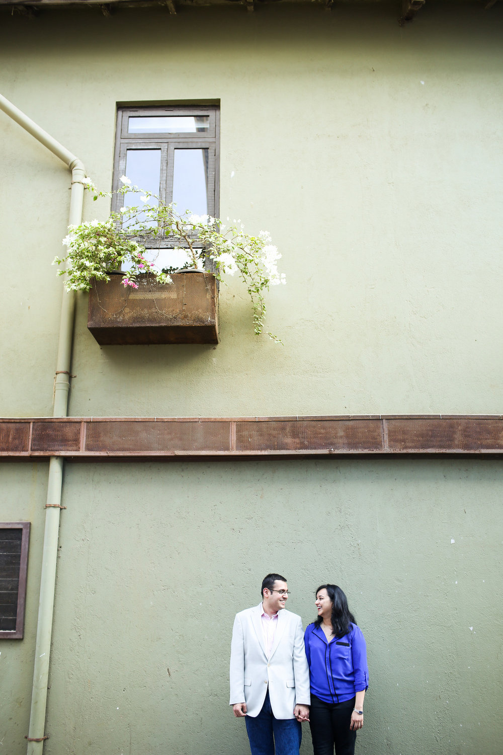 mumbai-engagement-session-into-candid-photography-rh-03.jpg