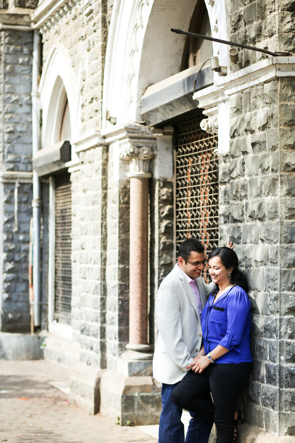 mumbai-engagement-session-into-candid-photography-rh-05.jpg