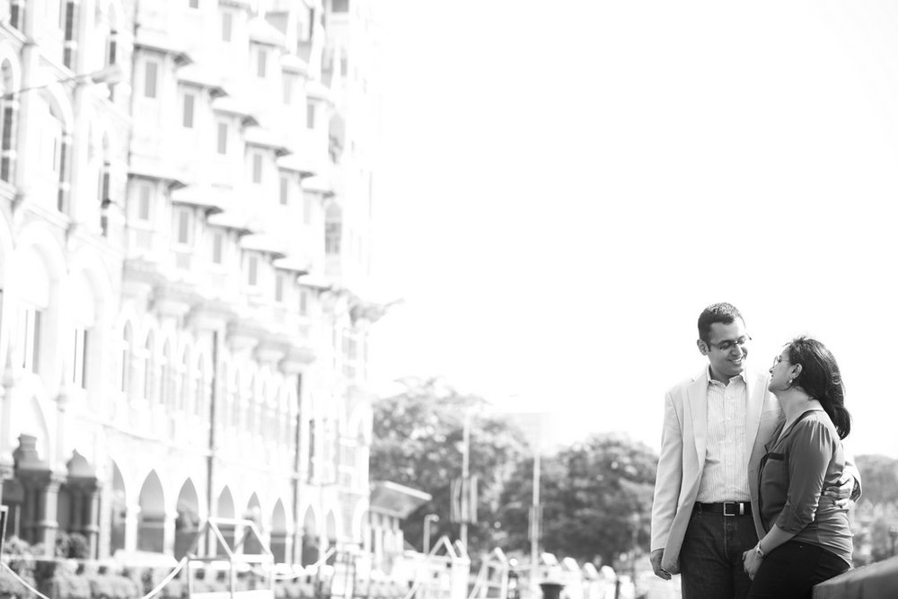 mumbai-engagement-session-into-candid-photography-rh-08.jpg