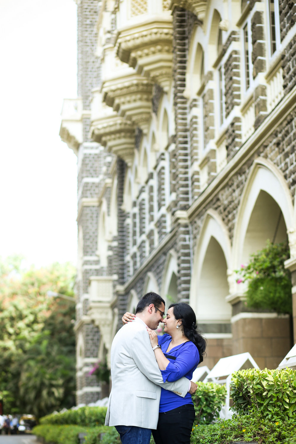 mumbai-engagement-session-into-candid-photography-rh-07.jpg