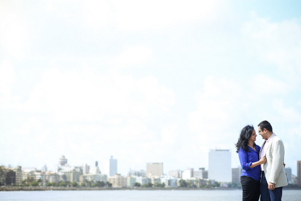 mumbai-engagement-session-into-candid-photography-rh-11.jpg