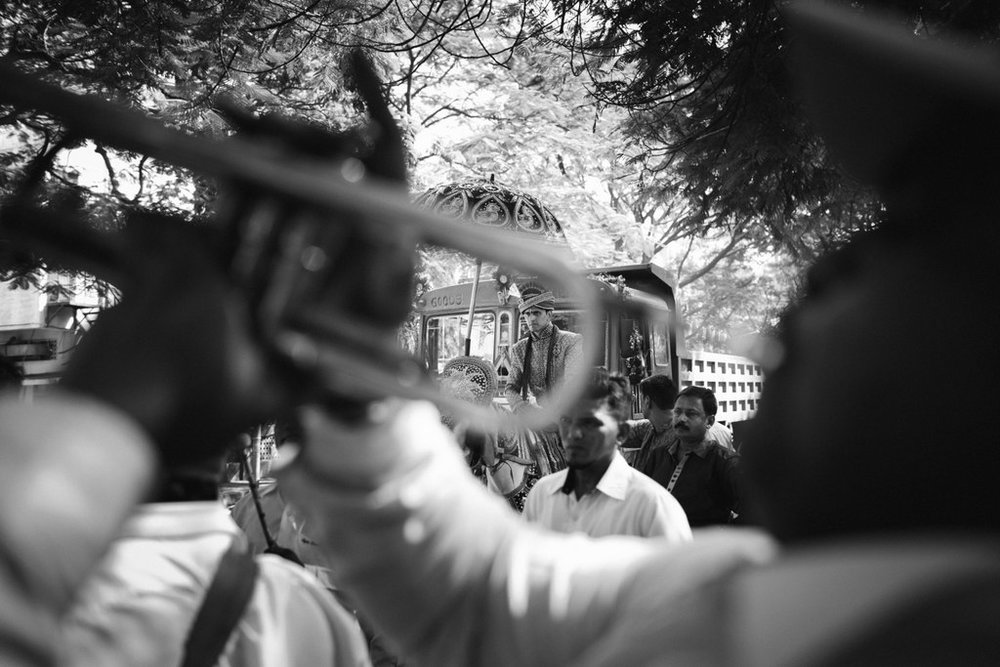 hindu-wedding-mumbai-into-candid-photography-dk-16.jpg