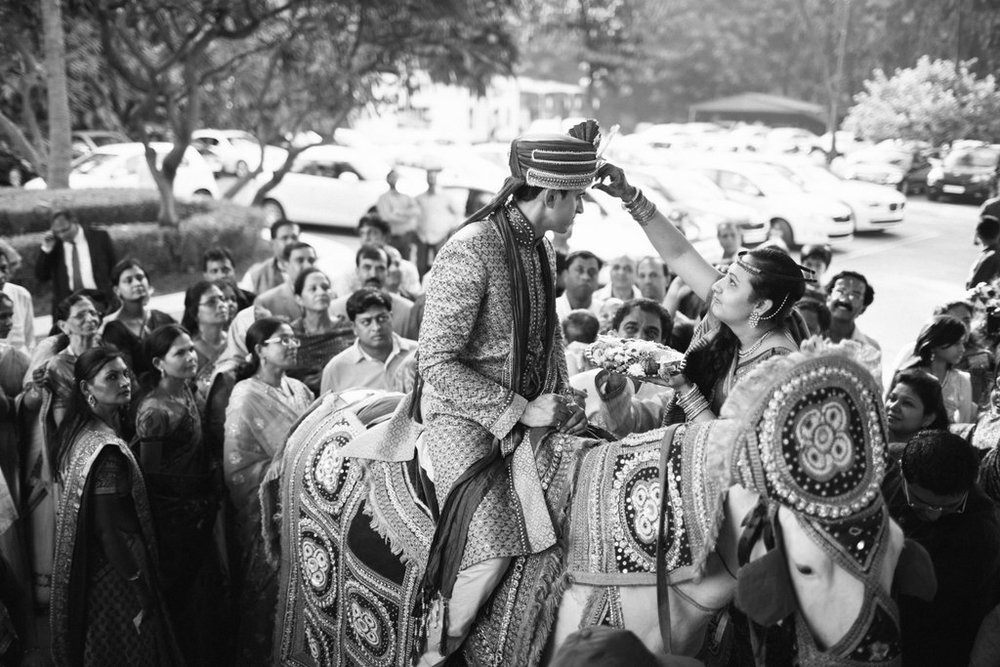 hindu-wedding-mumbai-into-candid-photography-dk-19.jpg