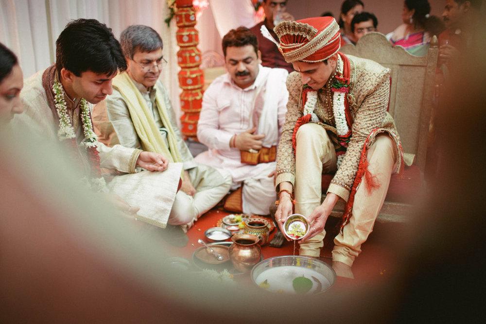 hindu-wedding-mumbai-into-candid-photography-dk-24.jpg