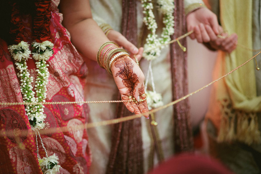 hindu-wedding-mumbai-into-candid-photography-dk-31.jpg