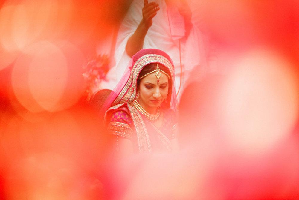 hindu-wedding-mumbai-into-candid-photography-dk-34.jpg