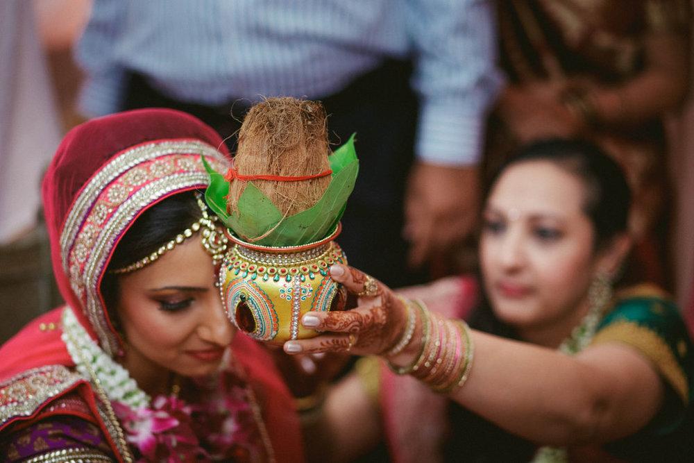 hindu-wedding-mumbai-into-candid-photography-dk-35.jpg
