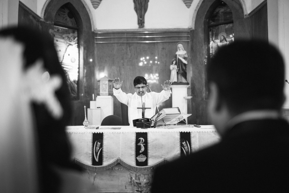 mumbai-church-wedding-into-candid-photography-ag-29 (1).jpg
