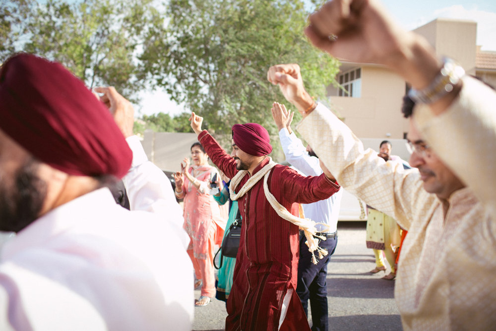 destination-dubai-sikh-wedding-into-candid-photography-pd-0021.jpg