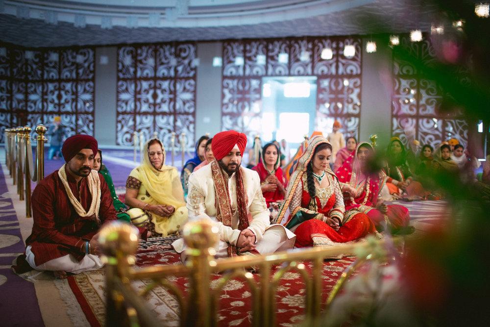 destination-dubai-sikh-wedding-into-candid-photography-pd-0031.jpg