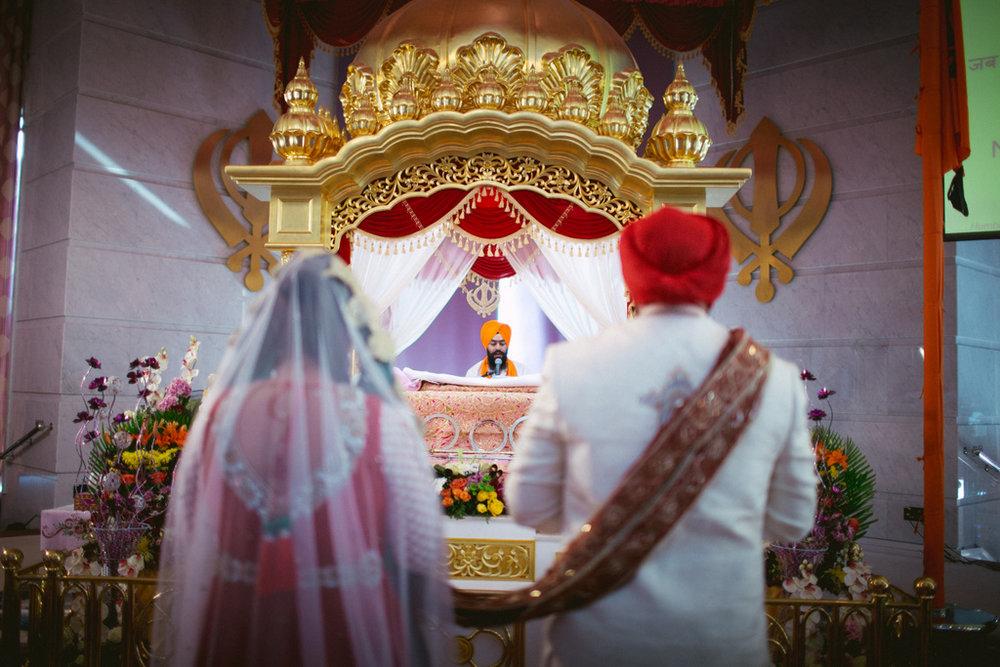 destination-dubai-sikh-wedding-into-candid-photography-pd-0039.jpg