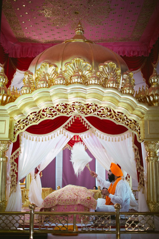 destination-dubai-sikh-wedding-into-candid-photography-pd-0037.jpg
