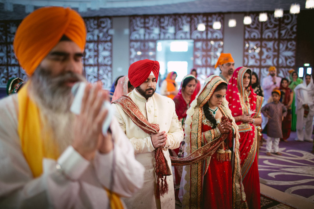 destination-dubai-sikh-wedding-into-candid-photography-pd-0044.jpg