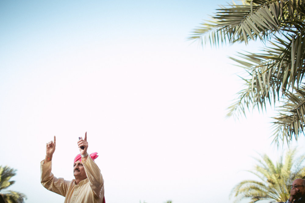 destination-dubai-hindu-wedding-into-candid-photography-pd-00202.jpg