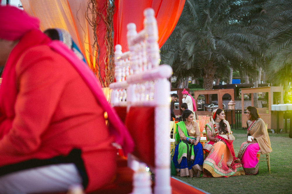 destination-dubai-hindu-wedding-into-candid-photography-pd-00371.jpg