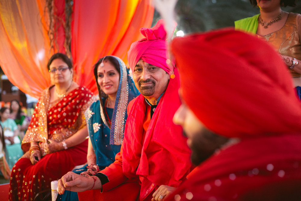 destination-dubai-hindu-wedding-into-candid-photography-pd-00401.jpg