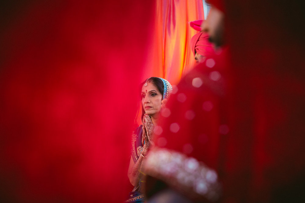 destination-dubai-hindu-wedding-into-candid-photography-pd-00411.jpg