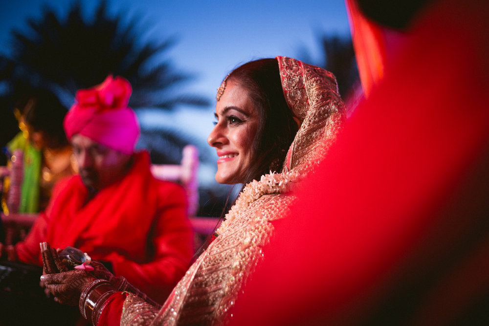 destination-dubai-hindu-wedding-into-candid-photography-pd-00451.jpg